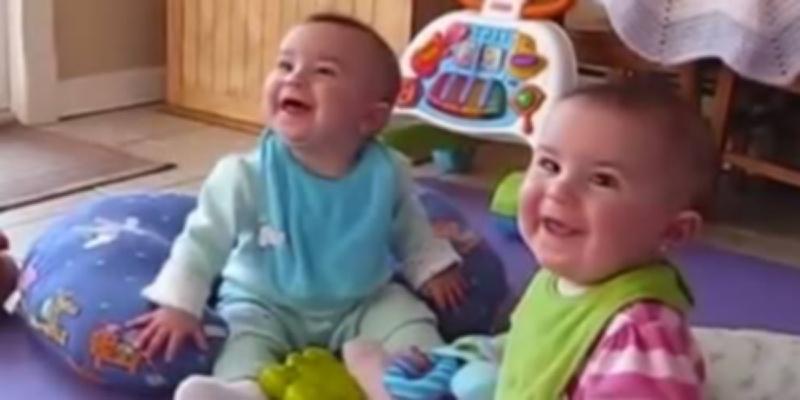 Neopisiva sreća beba kada ugledaju očeve!